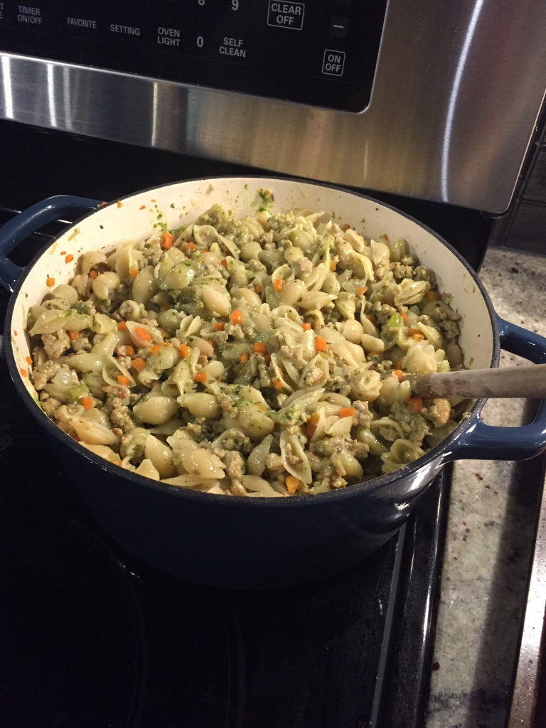 ground turkey, vegetable and pesto pasta